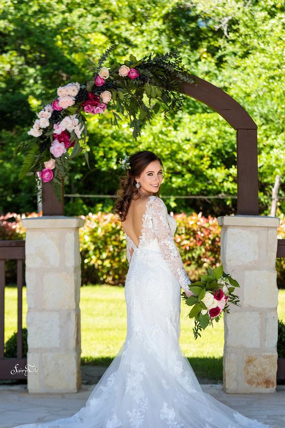 the-springs-aubrey-denton-wedding-outdoor-texas-aleman-photos-020
