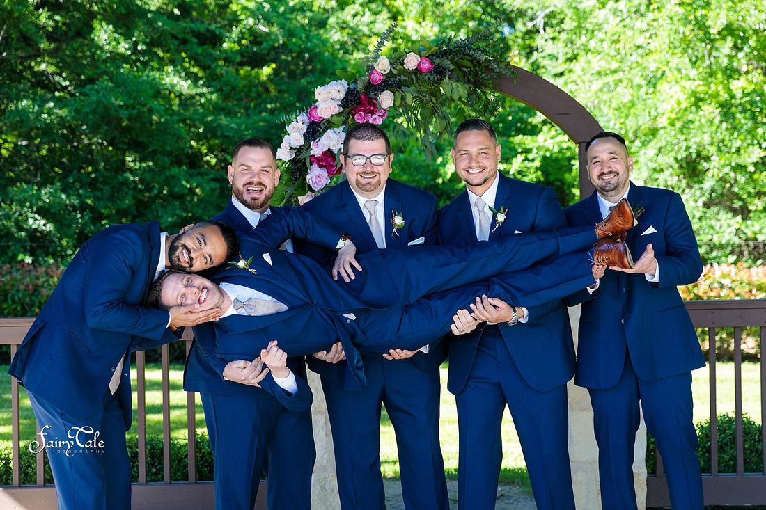 the-springs-aubrey-denton-wedding-outdoor-texas-aleman-photos-022