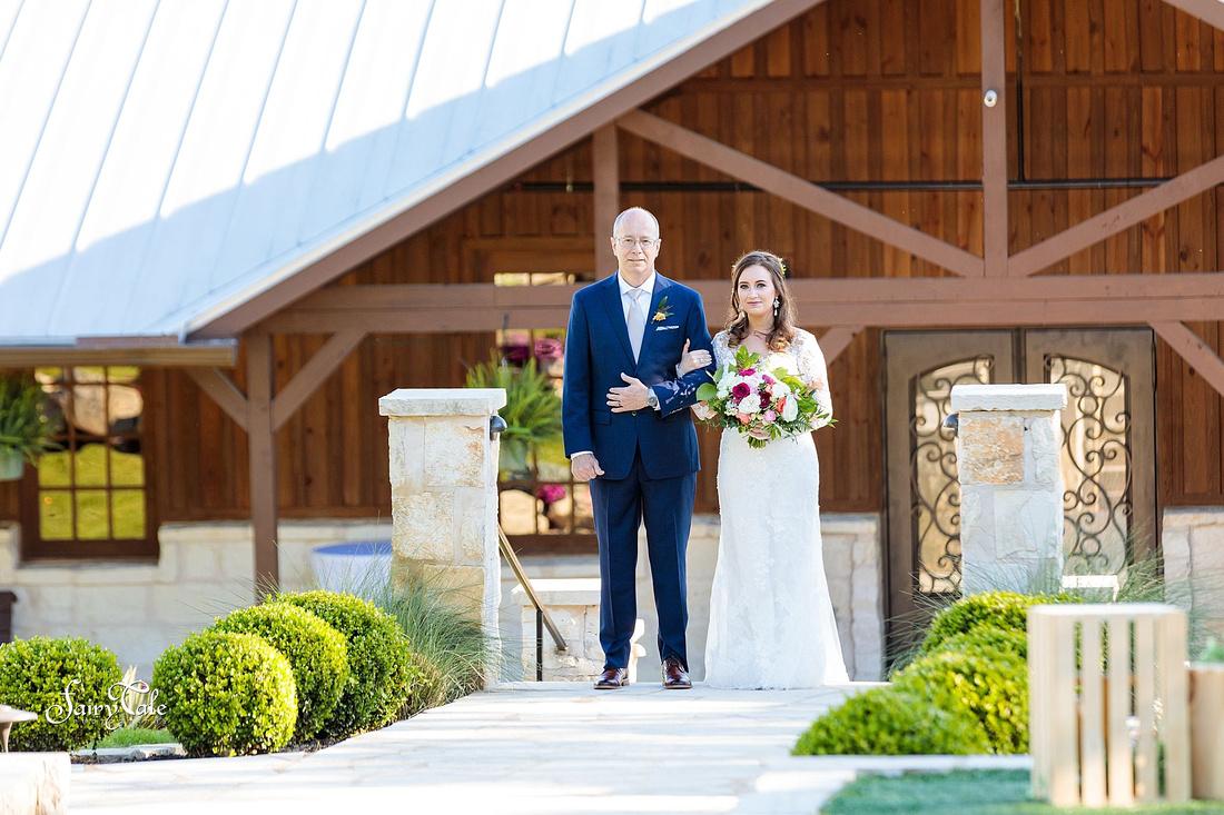 the-springs-aubrey-denton-wedding-outdoor-texas-aleman-photos-026