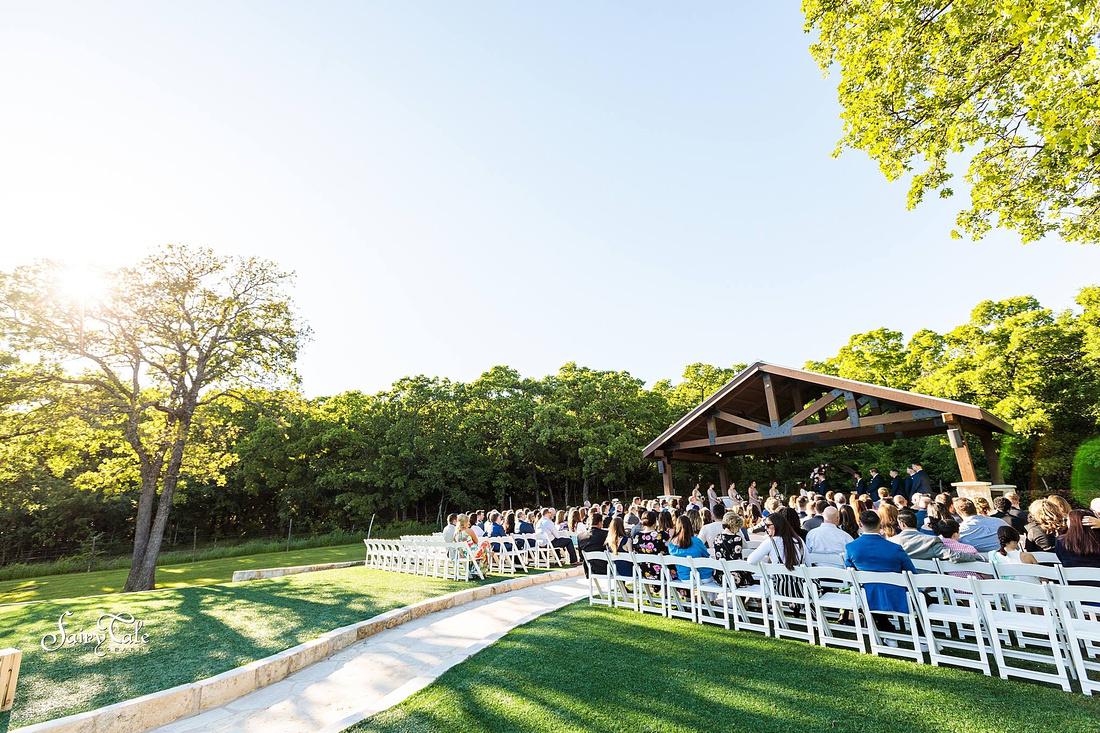 the-springs-aubrey-denton-wedding-outdoor-texas-aleman-photos-028