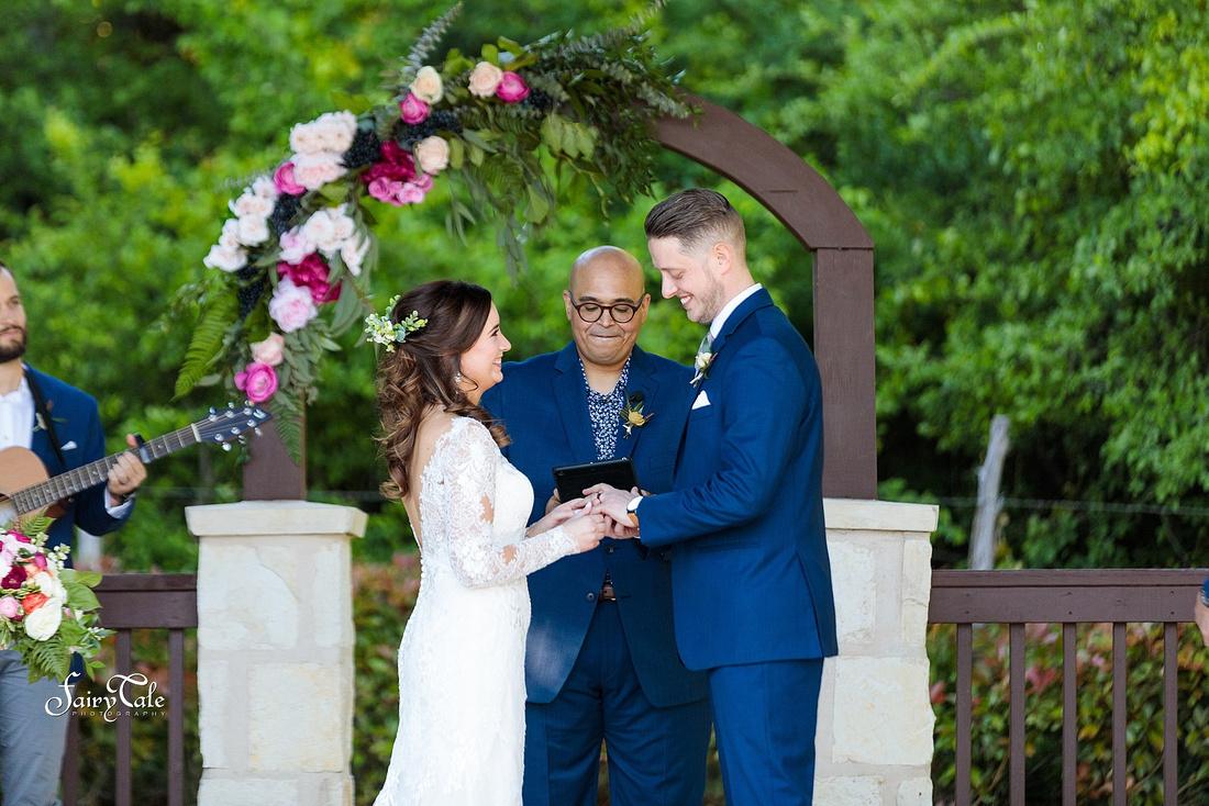 the-springs-aubrey-denton-wedding-outdoor-texas-aleman-photos-029