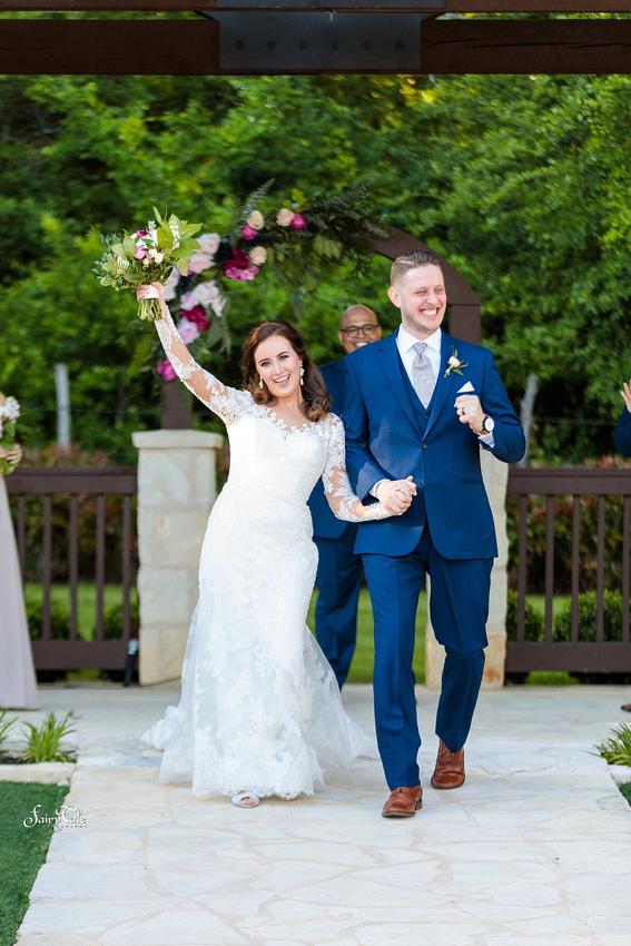 the-springs-aubrey-denton-wedding-outdoor-texas-aleman-photos-032