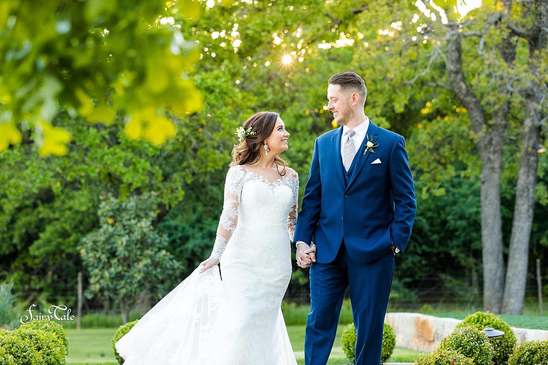 the-springs-aubrey-denton-wedding-outdoor-texas-aleman-photos-038