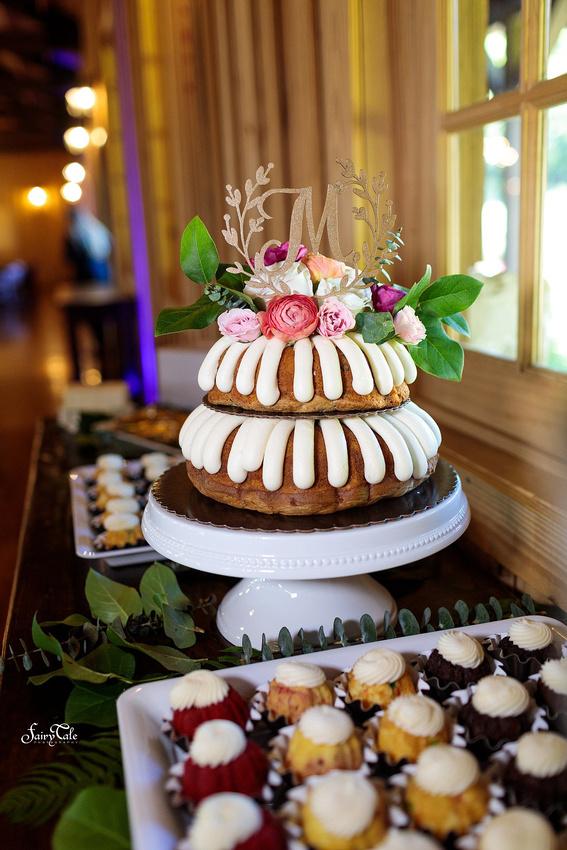 the-springs-aubrey-denton-wedding-outdoor-texas-aleman-photos-043
