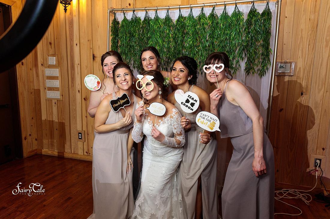 the-springs-aubrey-denton-wedding-outdoor-texas-aleman-photos-049