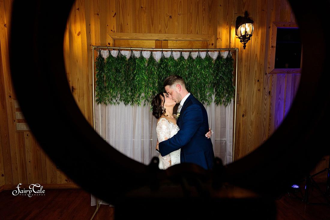 the-springs-aubrey-denton-wedding-outdoor-texas-aleman-photos-051