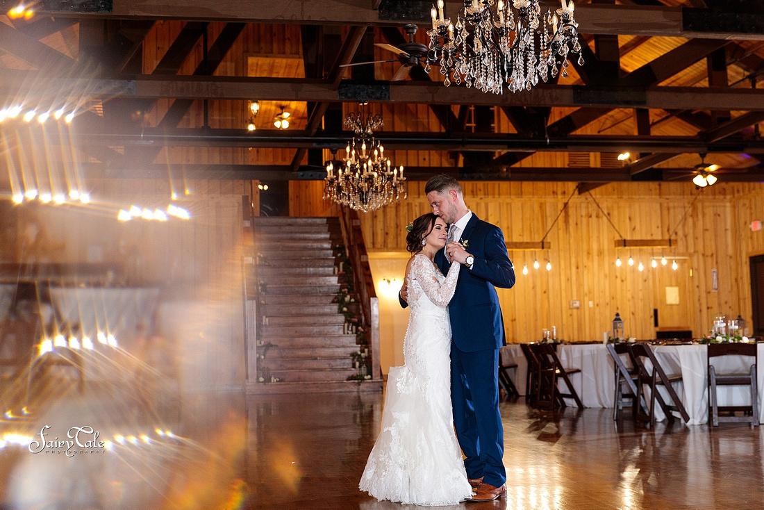 the-springs-aubrey-denton-wedding-outdoor-texas-aleman-photos-053