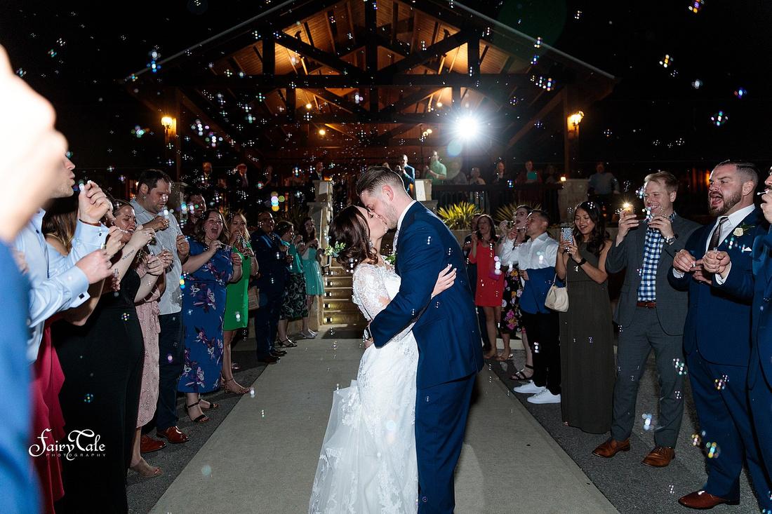 the-springs-aubrey-denton-wedding-outdoor-texas-aleman-photos-054