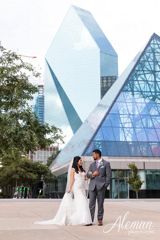 st-joseph-catholic-church-arlington-wedding-dallas-westin-downtown-urban-city-cityscape-el-fenix-pink-bridesmaid-dresses-gray-suit-navy-suit-fake-flowers-aleman-photos-mercedes-ian-003