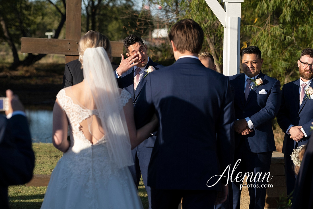 the-pearl-at-sabine-creek-royse-city-rockwall-wedding-outdoor-southern-mansion-texas-navy-groom-family-aleman-photos-020