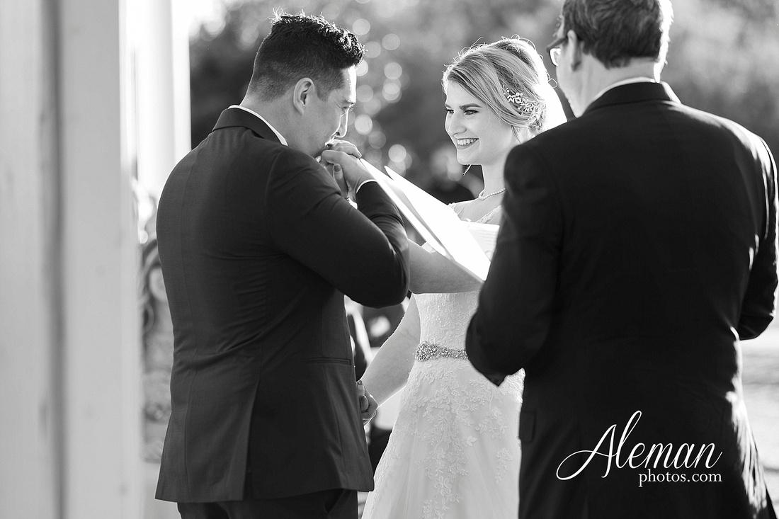 the-pearl-at-sabine-creek-royse-city-rockwall-wedding-outdoor-southern-mansion-texas-navy-groom-family-aleman-photos-021
