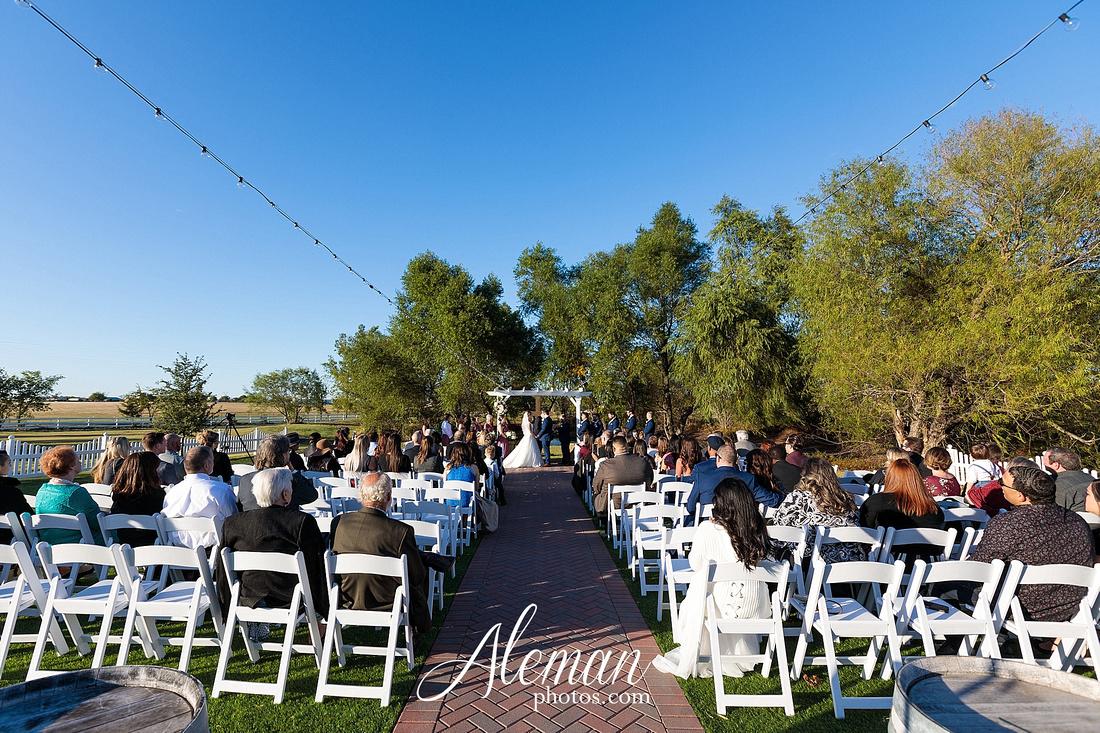 the-pearl-at-sabine-creek-royse-city-rockwall-wedding-outdoor-southern-mansion-texas-navy-groom-family-aleman-photos-022