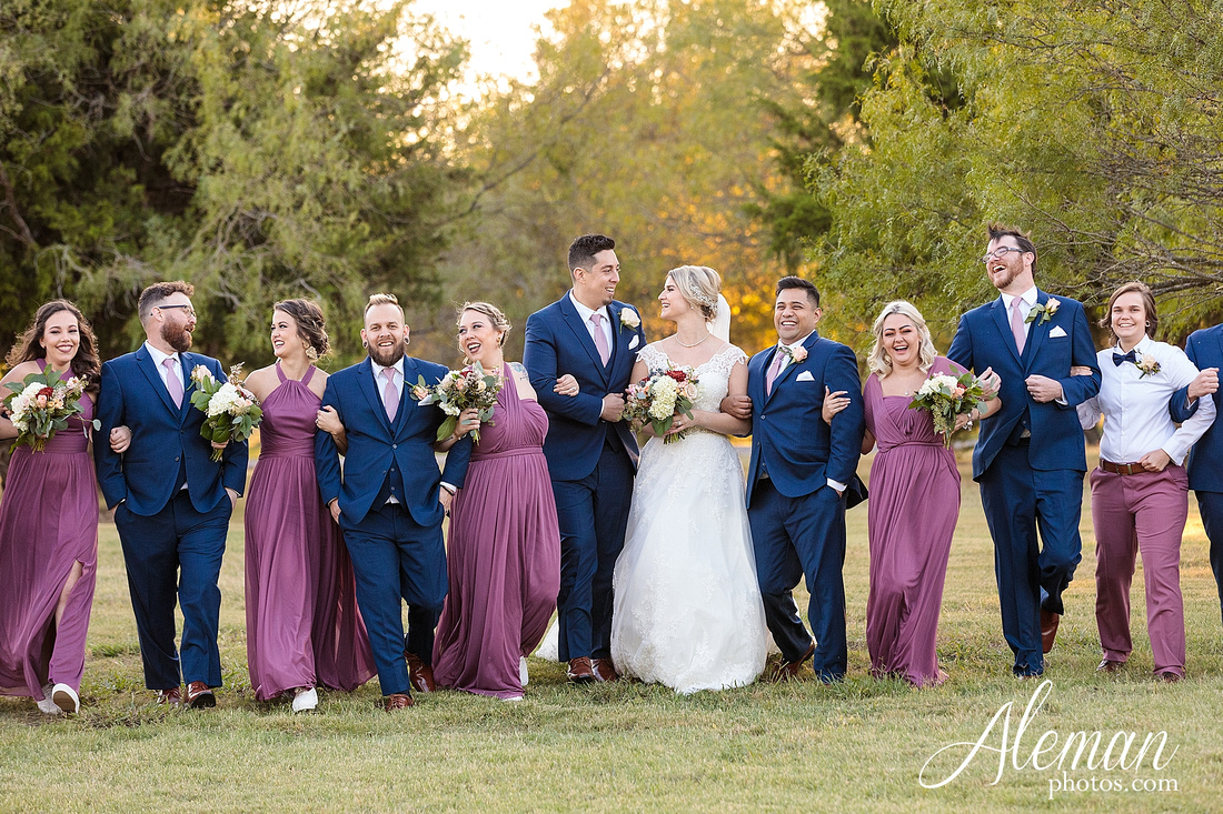 the-pearl-at-sabine-creek-royse-city-rockwall-wedding-outdoor-southern-mansion-texas-navy-groom-family-aleman-photos-030