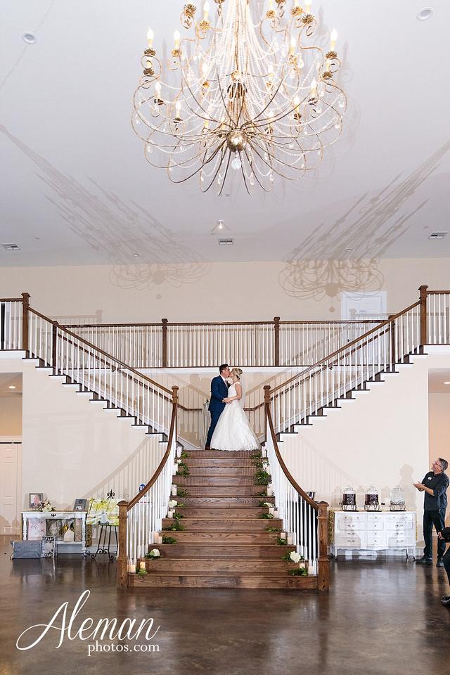 the-pearl-at-sabine-creek-royse-city-rockwall-wedding-outdoor-southern-mansion-texas-navy-groom-family-aleman-photos-040