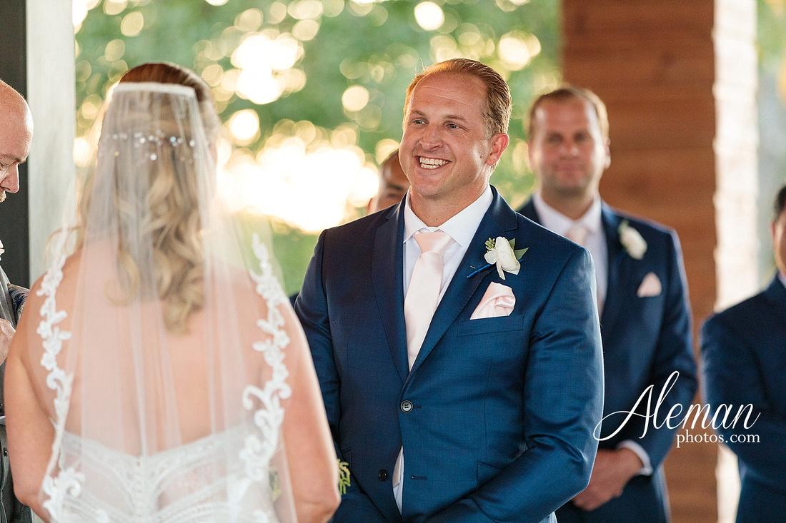 morgan-creek-barn-wedding-aubrey-denton-dallas-fort-worth-aleman-photos-white-barn-southern-texan-navy-suit-family-jennifer-alan-034