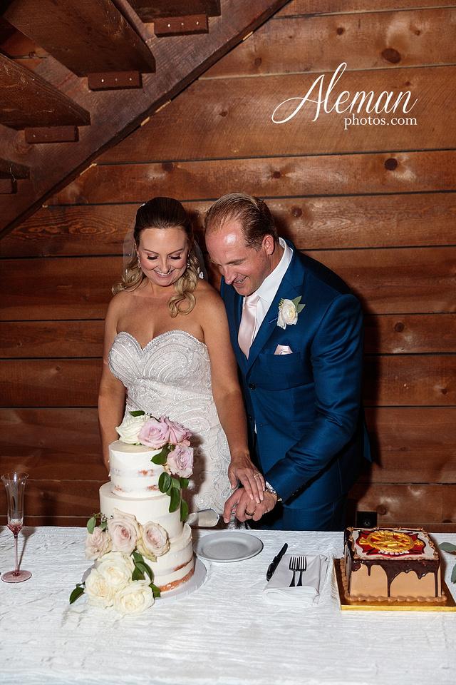 morgan-creek-barn-wedding-aubrey-denton-dallas-fort-worth-aleman-photos-white-barn-southern-texan-navy-suit-family-jennifer-alan-045