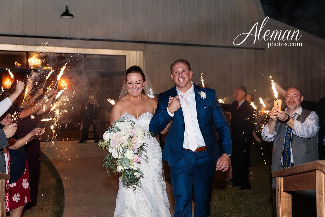 morgan-creek-barn-wedding-aubrey-denton-dallas-fort-worth-aleman-photos-white-barn-southern-texan-navy-suit-family-jennifer-alan-057