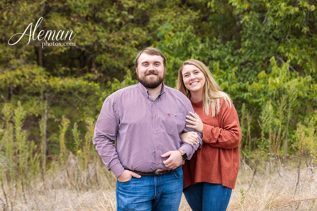 country-mckinney-field-fall-engagement-session-land-tall-dry-grass-winter-aleman-photos-madison-ross-005