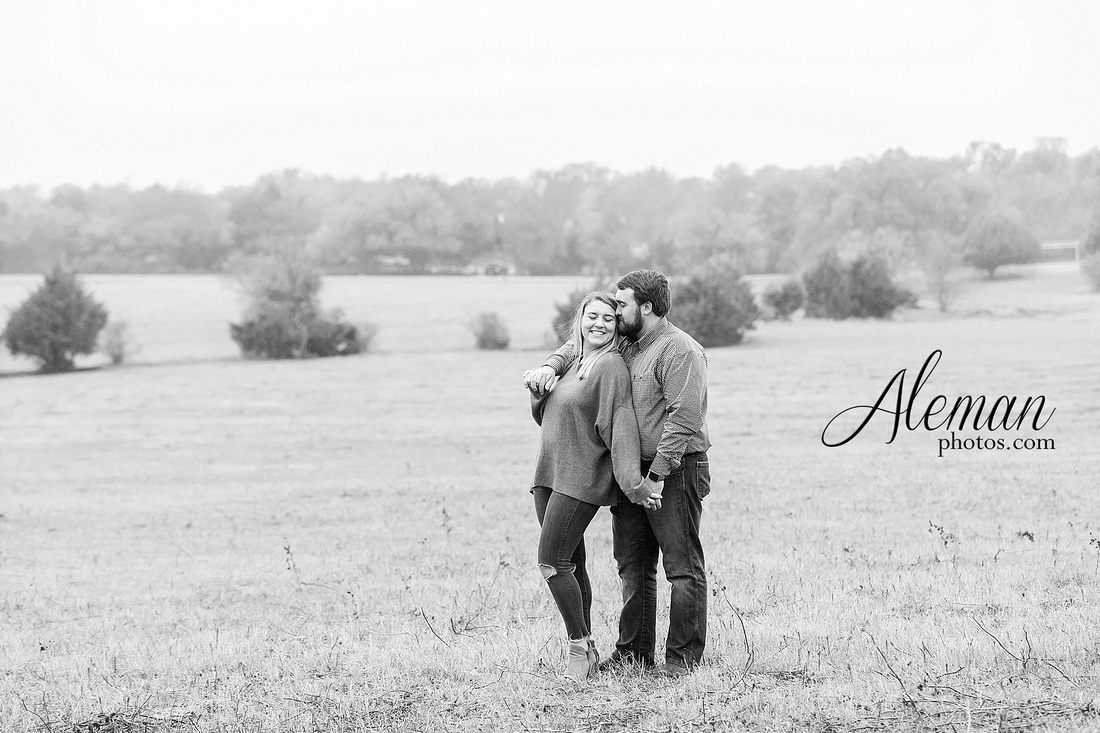 country-mckinney-field-fall-engagement-session-land-tall-dry-grass-winter-aleman-photos-madison-ross-013