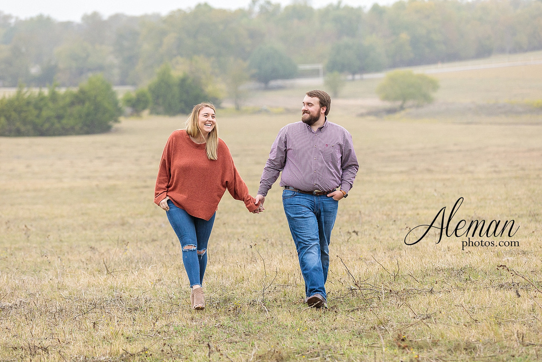 country-mckinney-field-fall-engagement-session-land-tall-dry-grass-winter-aleman-photos-madison-ross-014