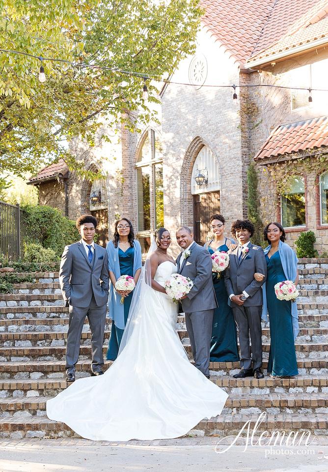 aristide-mansfield-wedding-family-outdoor-ceremony-emerald-bridesmaid-dresses-gray-suit-fall-winter-aleman-photos-001