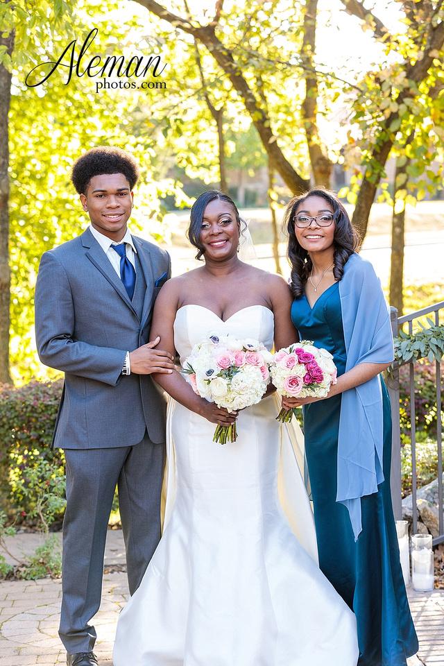 aristide-mansfield-wedding-family-outdoor-ceremony-emerald-bridesmaid-dresses-gray-suit-fall-winter-aleman-photos-018