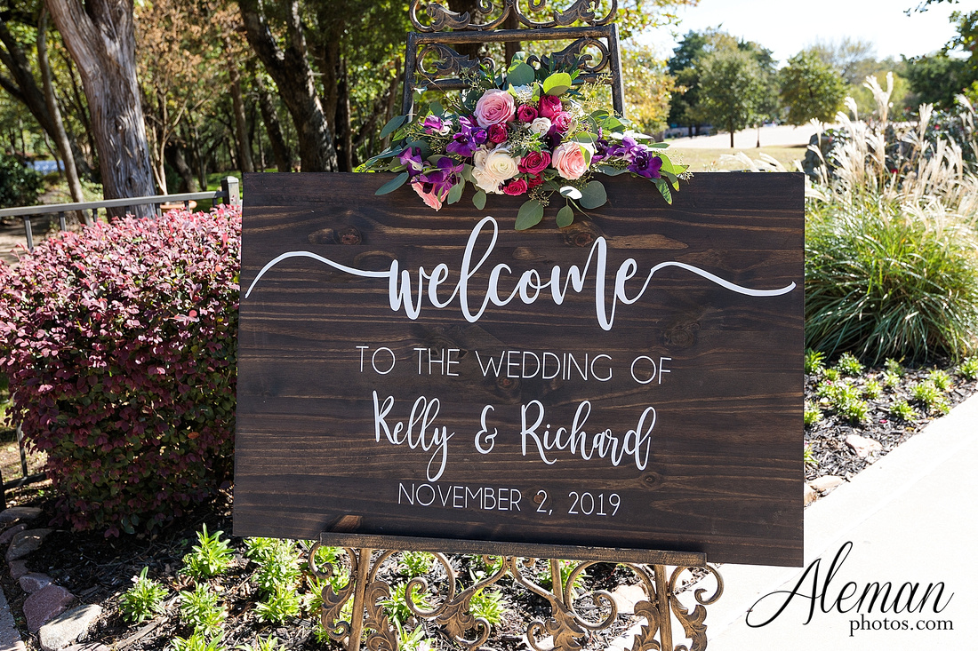 aristide-mansfield-wedding-family-outdoor-ceremony-emerald-bridesmaid-dresses-gray-suit-fall-winter-aleman-photos-024