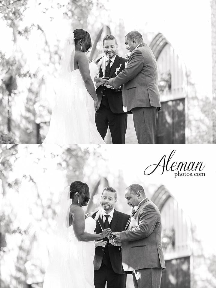 aristide-mansfield-wedding-family-outdoor-ceremony-emerald-bridesmaid-dresses-gray-suit-fall-winter-aleman-photos-031