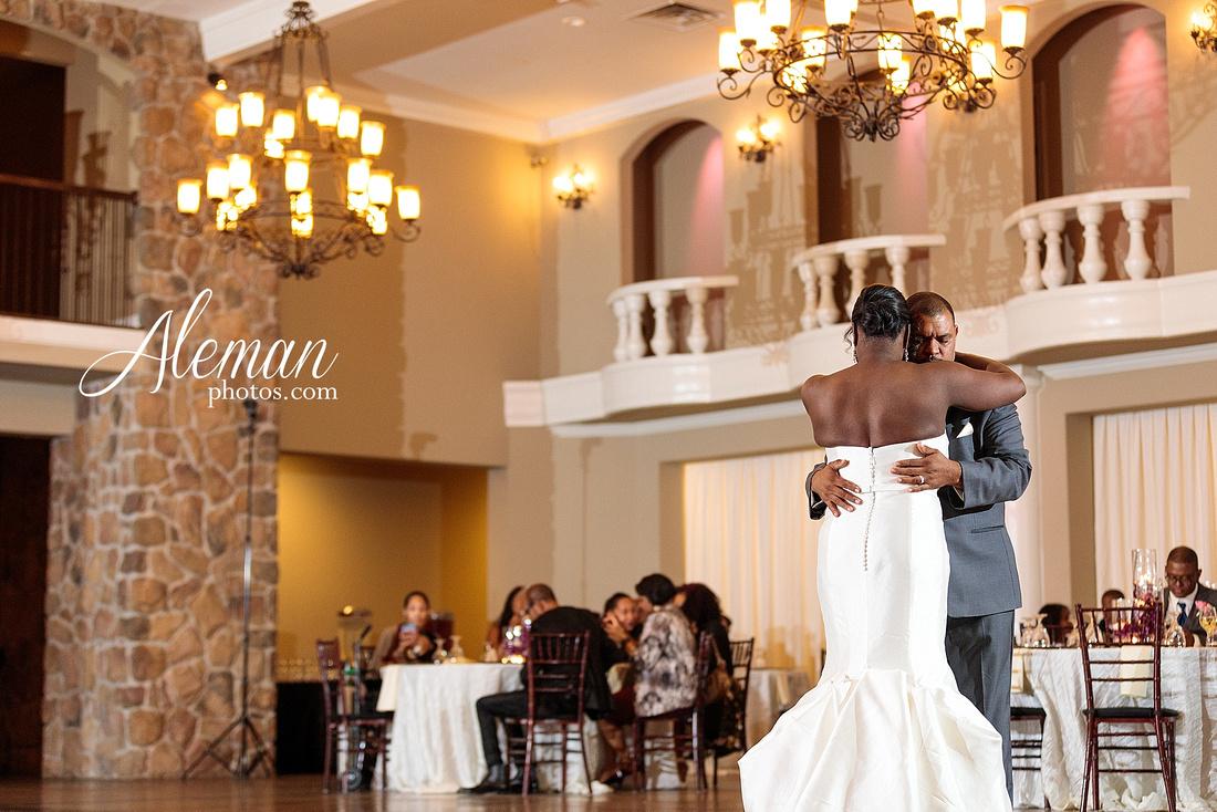 aristide-mansfield-wedding-family-outdoor-ceremony-emerald-bridesmaid-dresses-gray-suit-fall-winter-aleman-photos-048