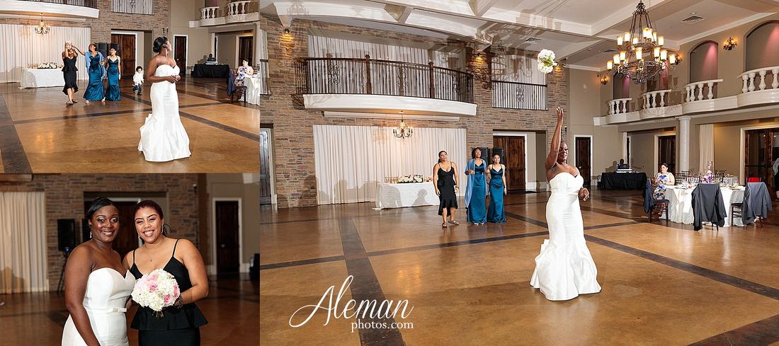 aristide-mansfield-wedding-family-outdoor-ceremony-emerald-bridesmaid-dresses-gray-suit-fall-winter-aleman-photos-053