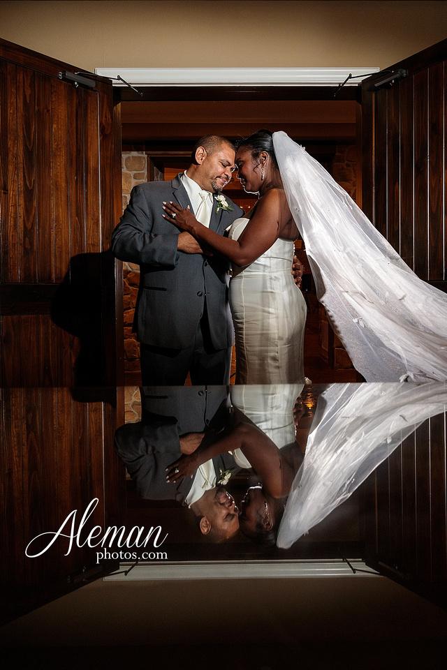 aristide-mansfield-wedding-family-outdoor-ceremony-emerald-bridesmaid-dresses-gray-suit-fall-winter-aleman-photos-057