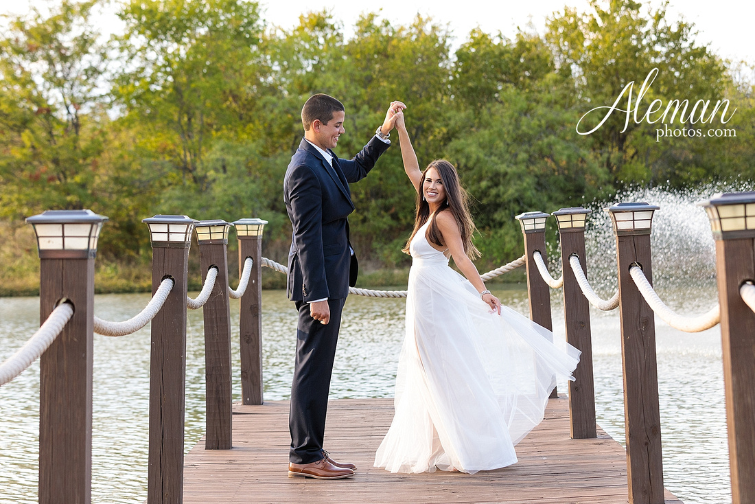 milestone-mansion-krum-denton-engagement-wedding-pond-wild-field-tall-grass-dog-wedding-aleman-photos-001