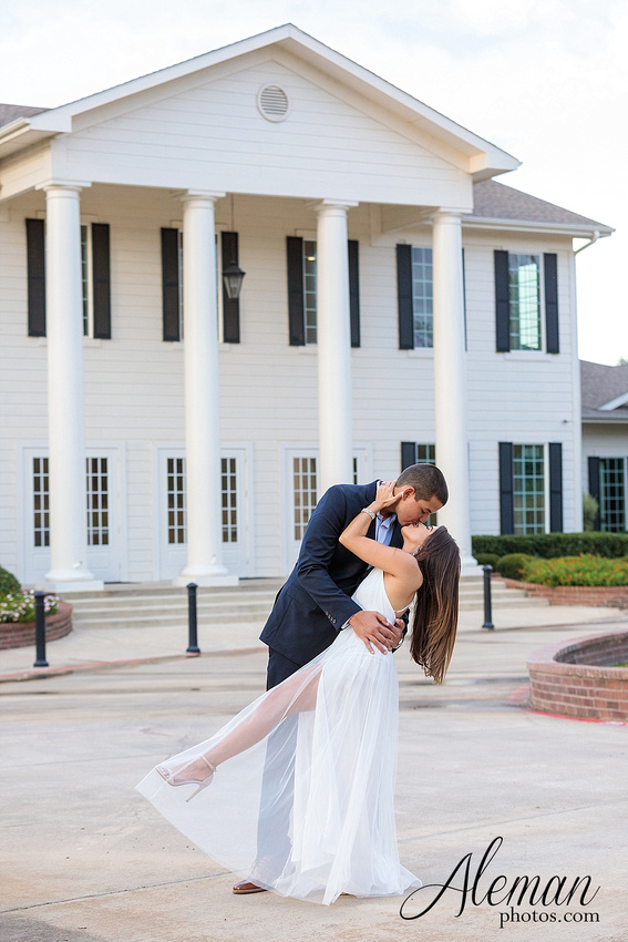 milestone-mansion-krum-denton-engagement-wedding-pond-wild-field-tall-grass-dog-wedding-aleman-photos-017