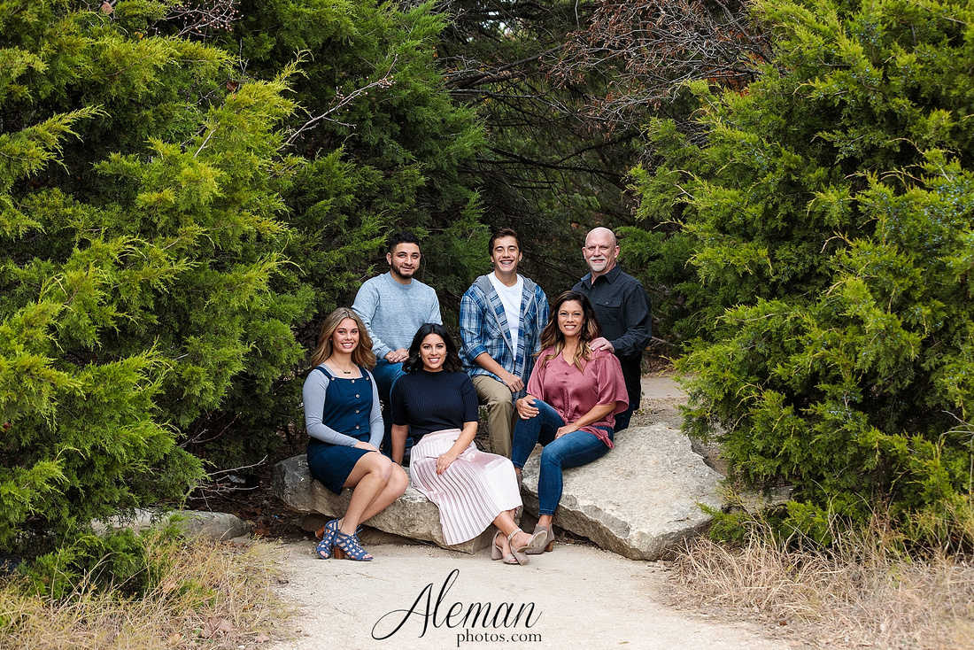dallas-family-photographer-arbor-hills-ft-worth-plano-frisco-christmas-card-photos-session-aleman-photos-cyndi-001