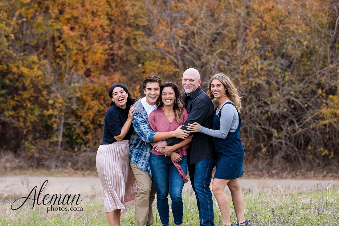 dallas-family-photographer-arbor-hills-ft-worth-plano-frisco-christmas-card-photos-session-aleman-photos-cyndi-009