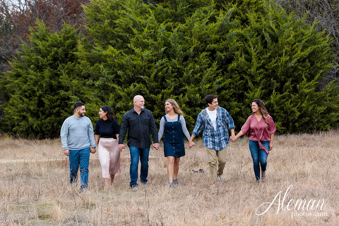 dallas-family-photographer-arbor-hills-ft-worth-plano-frisco-christmas-card-photos-session-aleman-photos-cyndi-010