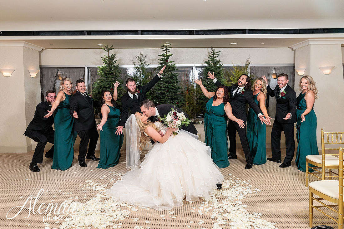 city-club-fort-worth-wedding-downtown-winter-fall-christmas-red-emerald-green-bridesmaid-dresses-aleman-photos-060