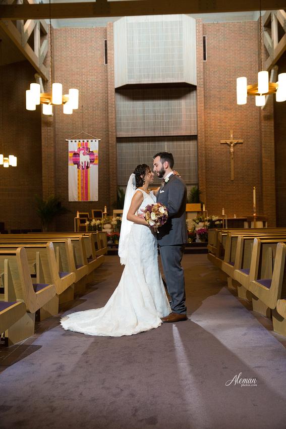 engagement-dallas-downtown-wedding-skyline-wedding-photographer-aleman-photos-dallas-miranda-alex031