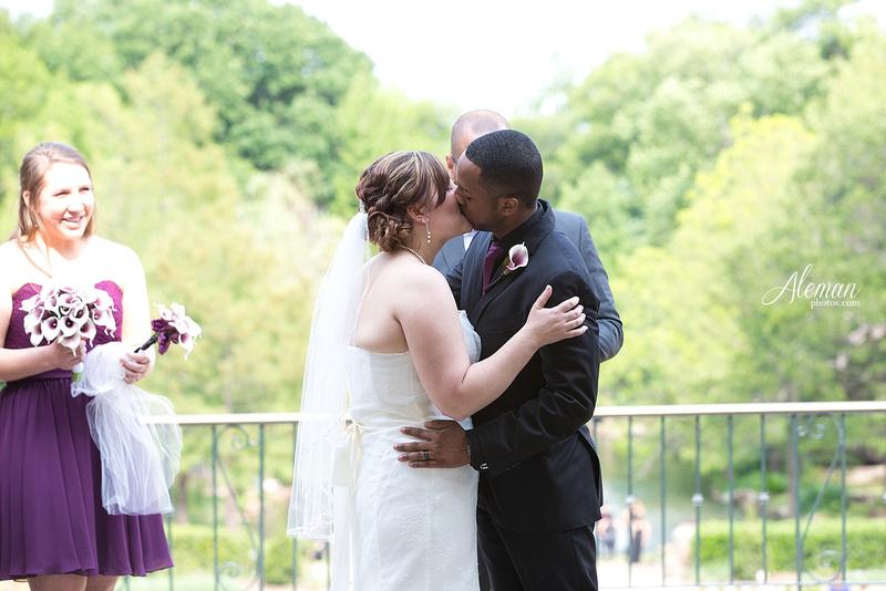ft-worth-botanical-gardens-wedding-rose-garden-shleter-house-oak-room-photos-photography-dallas-engagement027