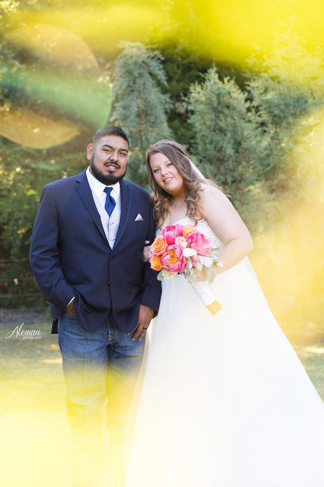 the-springs-mckinney-wedding-anna-texas-country-outdoor-dallas-photographer-aleman-photos-cowboys-softball-blue-jeans-boots027