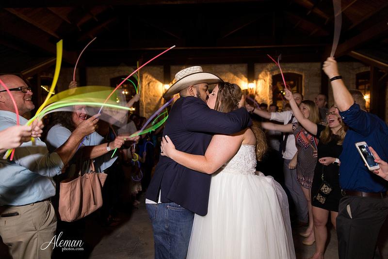the-springs-mckinney-wedding-anna-texas-country-outdoor-dallas-photographer-aleman-photos-cowboys-softball-blue-jeans-boots043