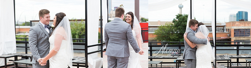 gilleys-dallas-wedding-downtown-skyline-st.-thomas-acquinas-church-aleman-photos020