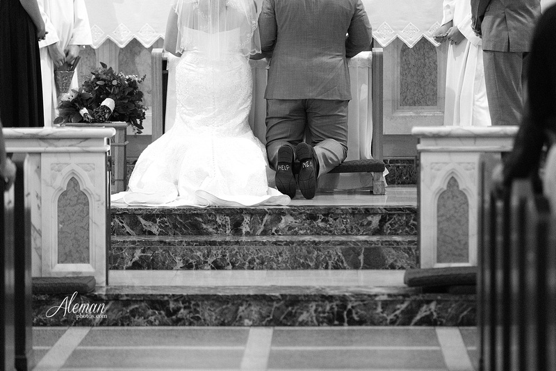 gilleys-dallas-wedding-downtown-skyline-st.-thomas-acquinas-church-aleman-photos034