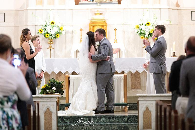 gilleys-dallas-wedding-downtown-skyline-st.-thomas-acquinas-church-aleman-photos036