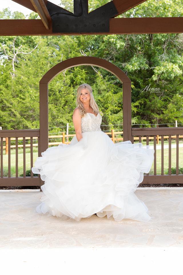 springs-bridal-session-anna-mckinney-texas-outdoors-dallas-weddings-dfw-venue-rustic-aleman-photos003