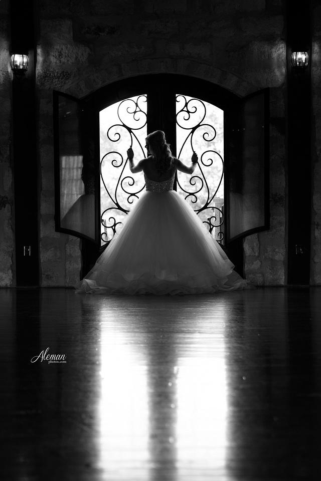 springs-bridal-session-anna-mckinney-texas-outdoors-dallas-weddings-dfw-venue-rustic-aleman-photos011