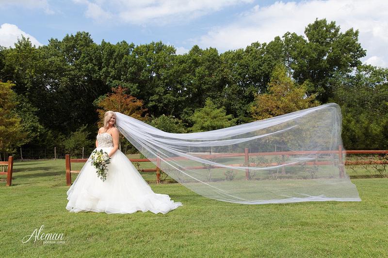 springs-bridal-session-anna-mckinney-texas-outdoors-dallas-weddings-dfw-venue-rustic-aleman-photos015