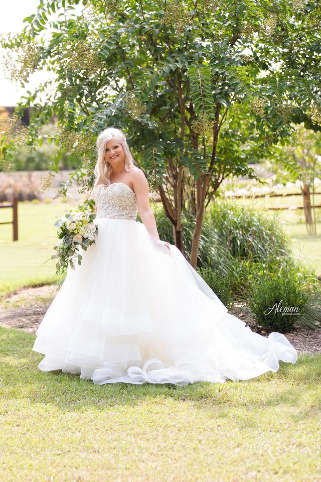 springs-bridal-session-anna-mckinney-texas-outdoors-dallas-weddings-dfw-venue-rustic-aleman-photos017