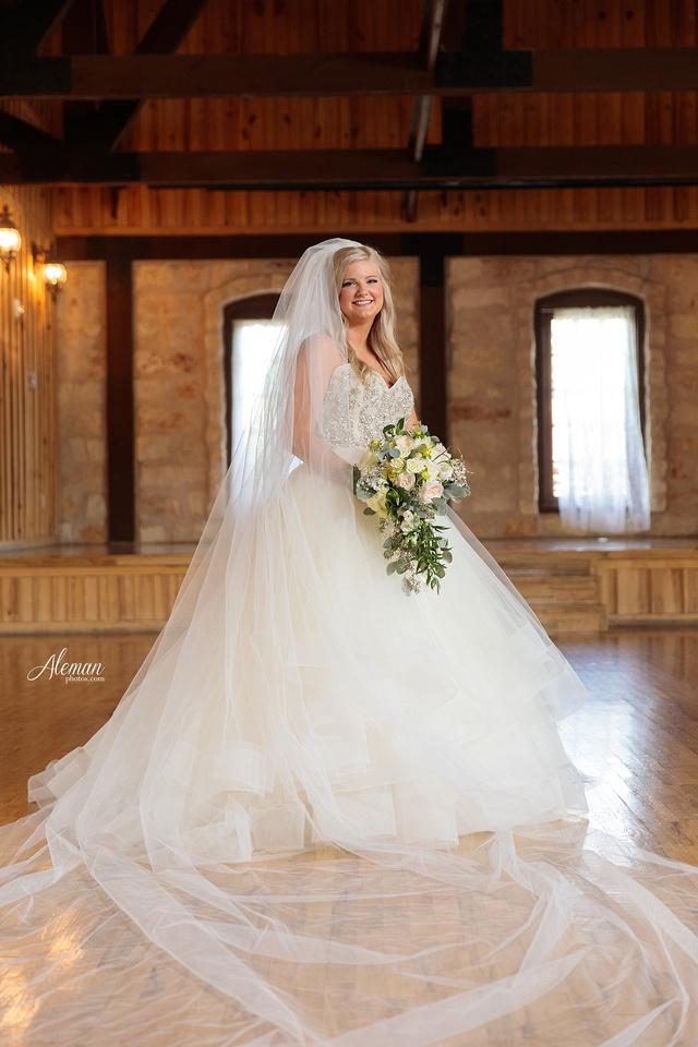 springs-bridal-session-anna-mckinney-texas-outdoors-dallas-weddings-dfw-venue-rustic-aleman-photos019