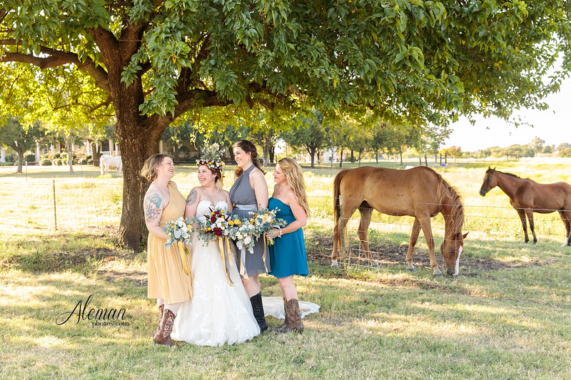 rustic-grace-estates-wolfgang-puck-catering-horses-wedding-aleman-photos-occassions-dfw001